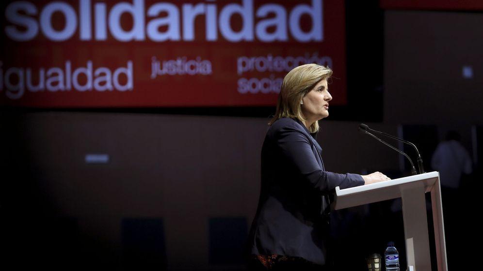 Foto: La ministra de Empleo, Fátima Báñez, durante su intervención en el XI Congreso Confederal de CCOO. (EFE)