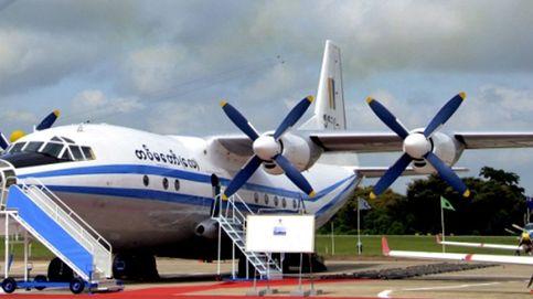 Un avión militar con 104 personas se estrella en Birmania
