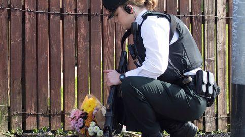 Luto por una periodista asesinada por disparos en Londonderry