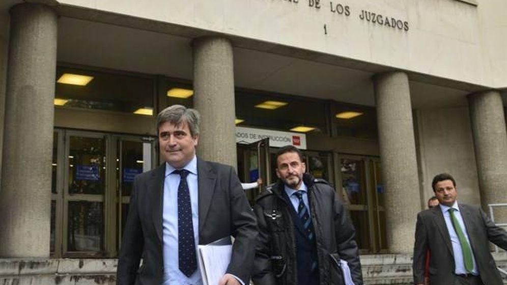 Foto: Miguel Cardenal sale de los Juzgados