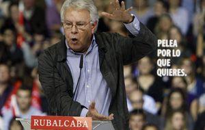 PSOE: alarma en la vieja guardia por el desmarque para aforar al Rey
