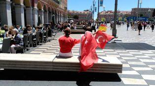 Un grupo de ultras españoles, retenidos en Niza, única alteración del buen ambiente