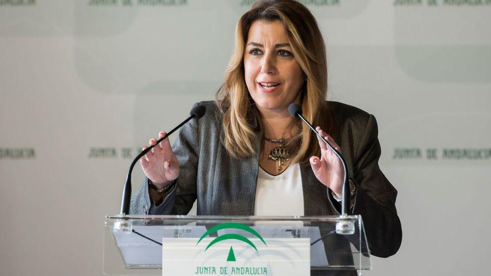 Díaz se cae del cartel de una deslucida escuela del PSOE: de foto de unidad nada