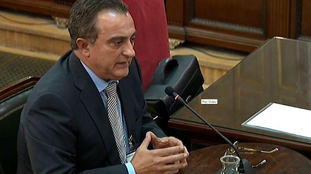 Foto: Captura de la señal del Tribunal Supremo con la intervención del comisario de los Mossos d'Esquadra Manel Castellví. (EFE)
