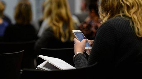 Madrid prohibirá los móviles en colegios públicos y concertados el próximo curso