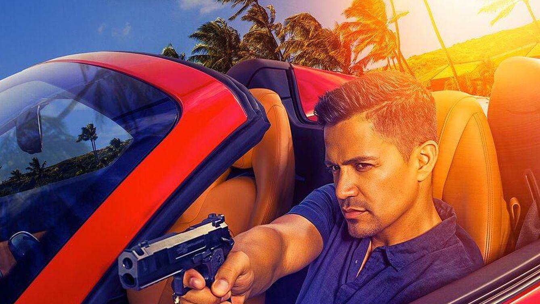 Calle 13 estrena la versión moderna de 'Magnum', protagonizada por Jay Hernández