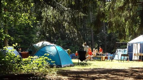 Suspenden un campamento de verano en Lleida tras el positivo de un monitor