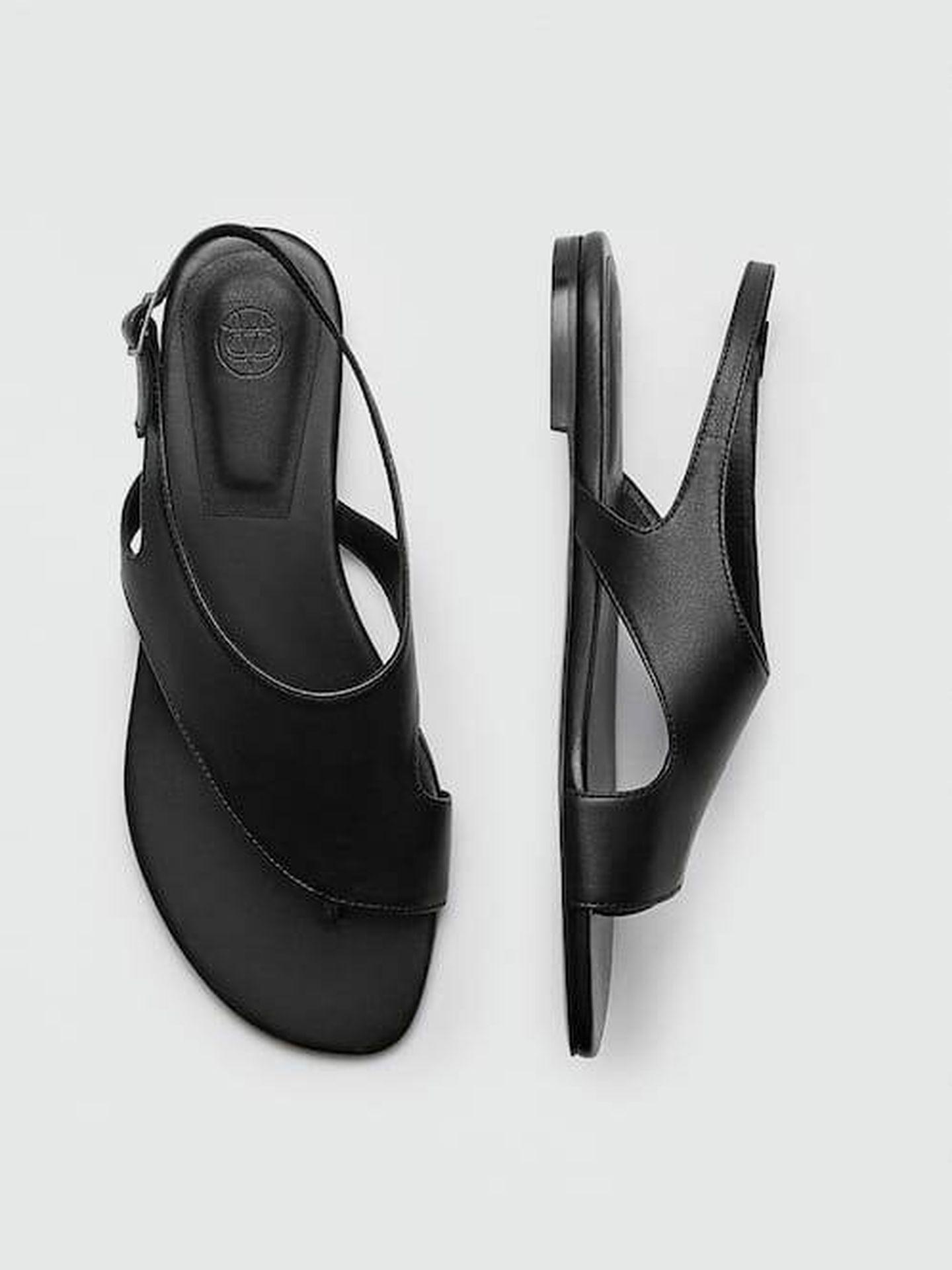 Las sandalias planas de la tienda online Massimo Dutti. (Cortesía)
