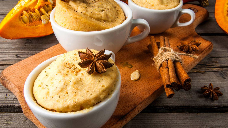 'Mug cakes', bizcochos en taza hechos en el microondas. (iStock)