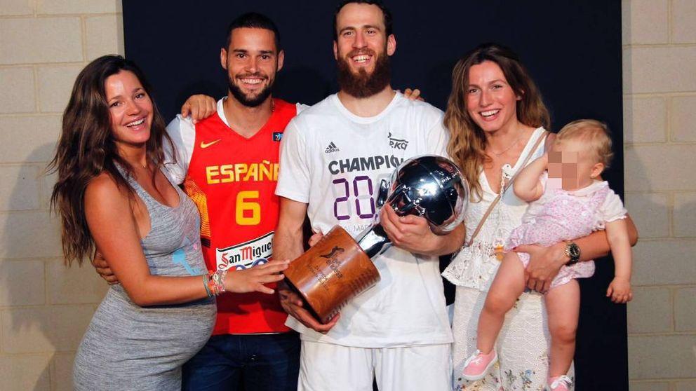 Mario Suárez y una embarazadísima Malena Costa celebran la victoria del Real Madrid