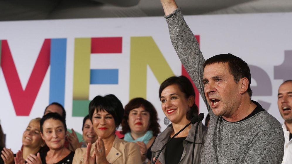 Foto: Arnaldo Otegi, tras conocer los resultados de las elecciones vascas (EFE)