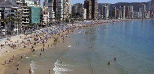 Post de La recuperación irrumpe en la costa y revive el sueño de tener casa en la playa