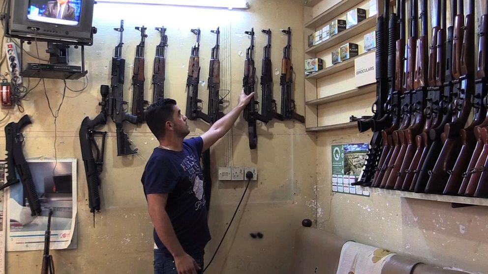 Los kurdos se arman en el bazar: Son voluntarios contra el Califato