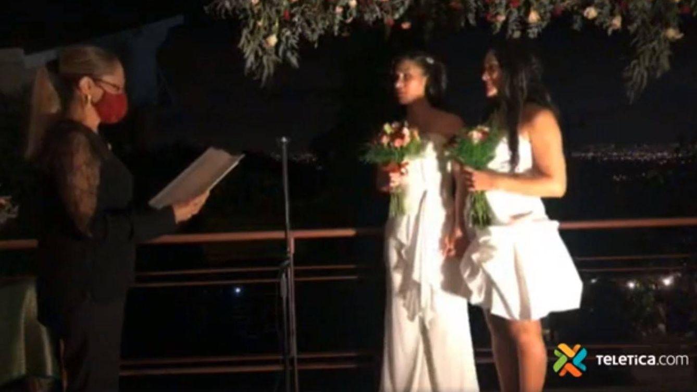 Una boda en redes sociales da la bienvenida al matrimonio igualitario en Costa Rica
