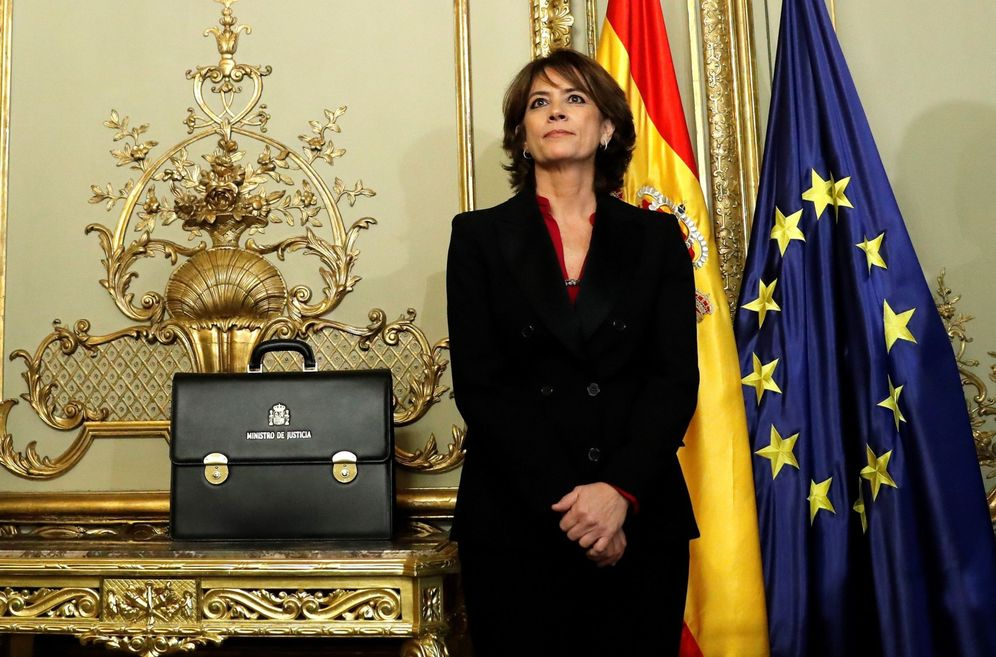 Foto: Dolores Delgado, en la toma de posesión de su sustituto, Juan Carlos Campo, este 13 de enero. (EFE)