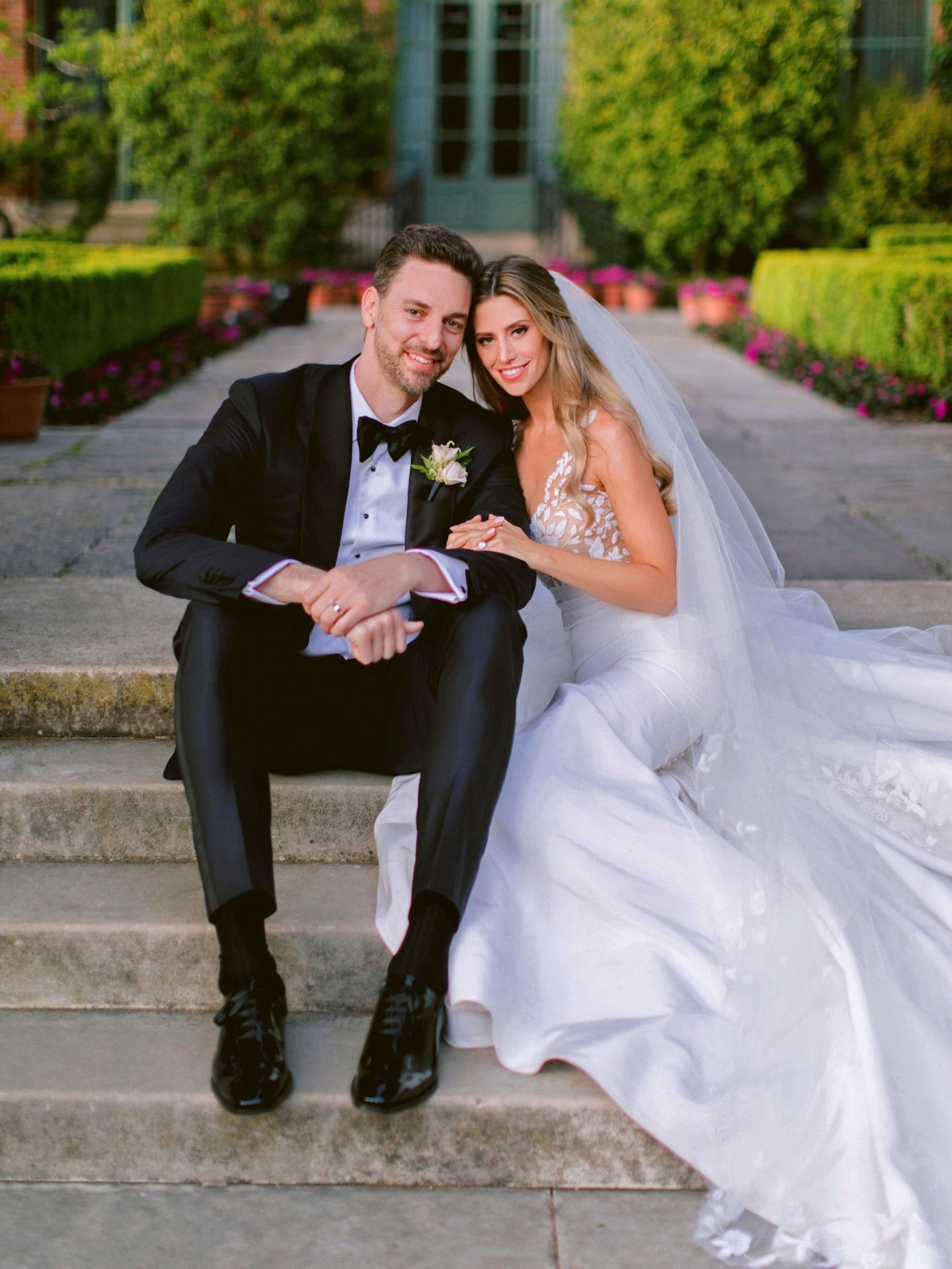 Pau Gasol y Cat McDonnell, el día de su boda, en San Francisco. (EFE)