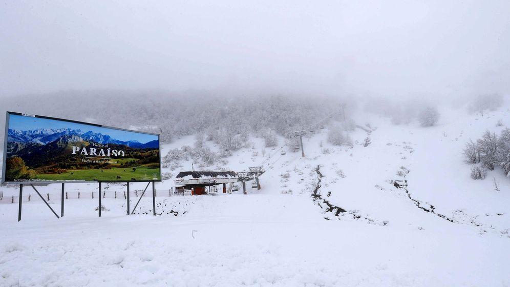 Foto: Las estaciones de esquí dan por terminada la temporada por el coronavirus (EFE/J. L. Cereijido)