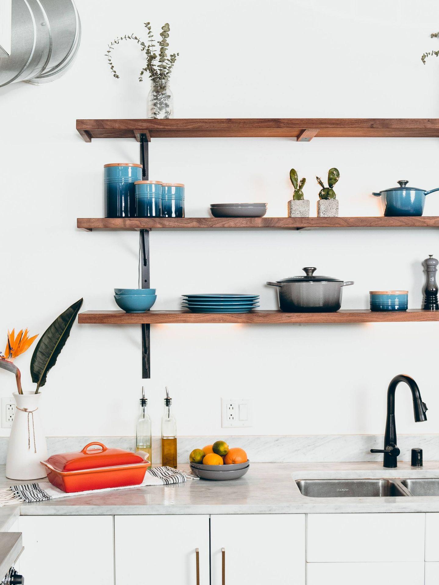 Errores a evitar al organizar tu cocina. (Dane Deaner para Unsplash)