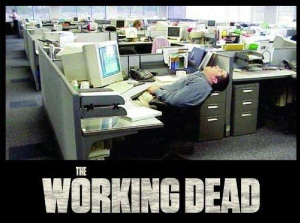 Trabajo los 10 memes que resumen tu jornada laboral for Oficinas caja laboral madrid