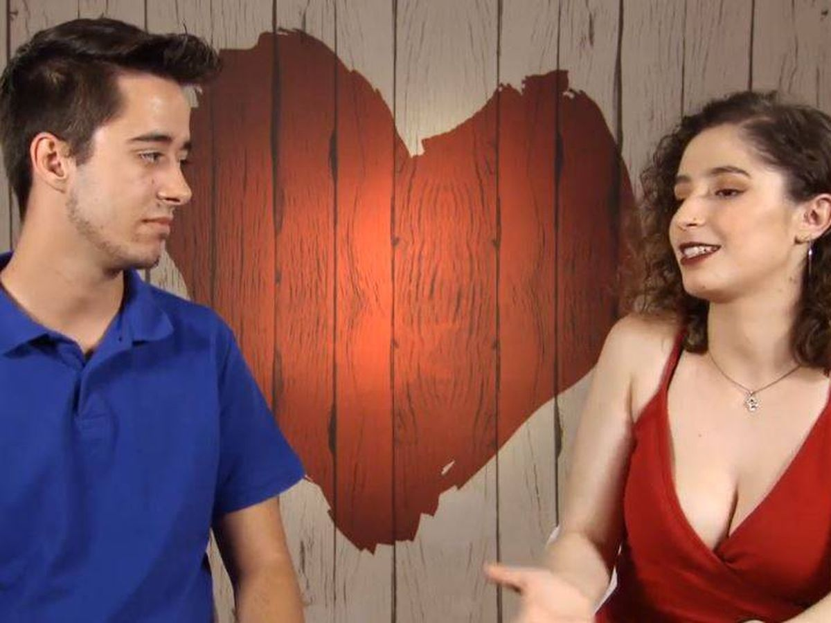 Foto: Laura e Iker, en 'First Dates'. (Cuatro)
