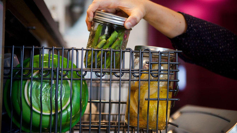 Ahorro y consumo once life hacks para sacar todo el for Cocinar en el lavavajillas