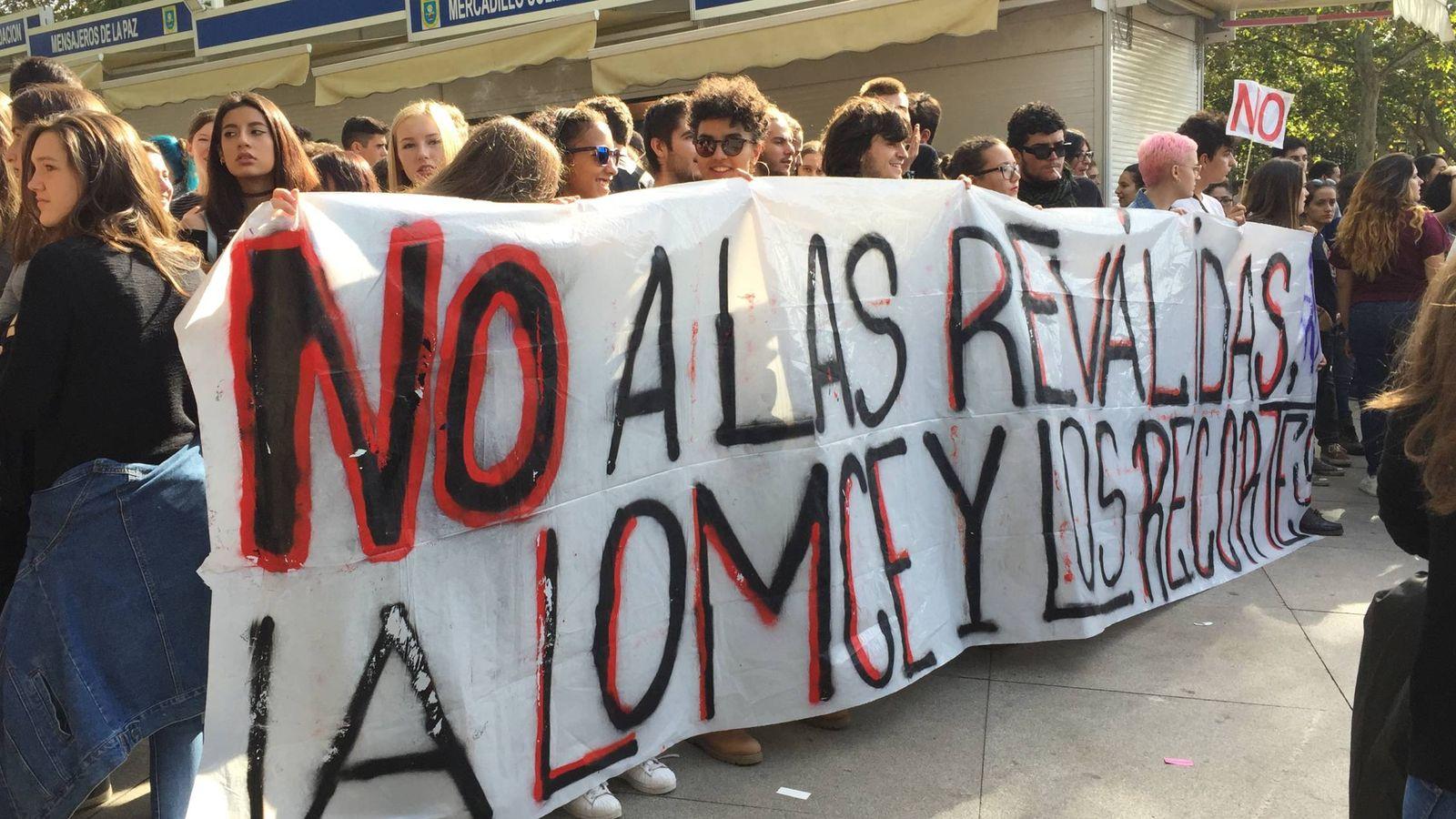 Foto: La primera línea de la manifestación en Madrid. (Rubén Rodríguez)