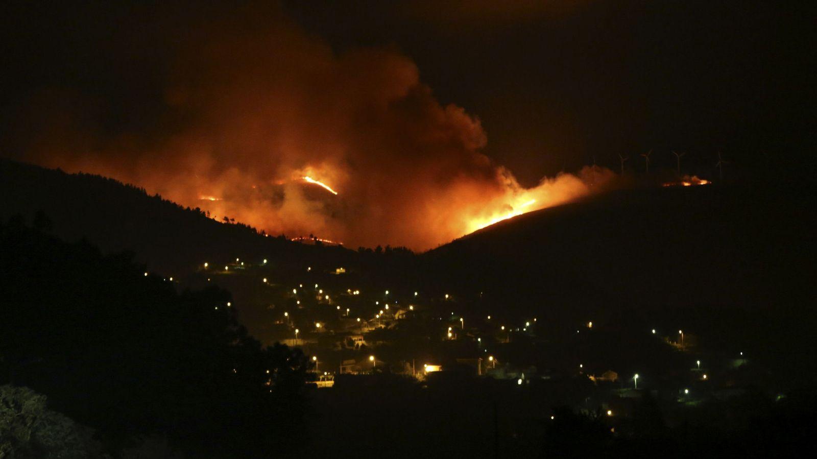 Resultado de imagen de Arde Galicia