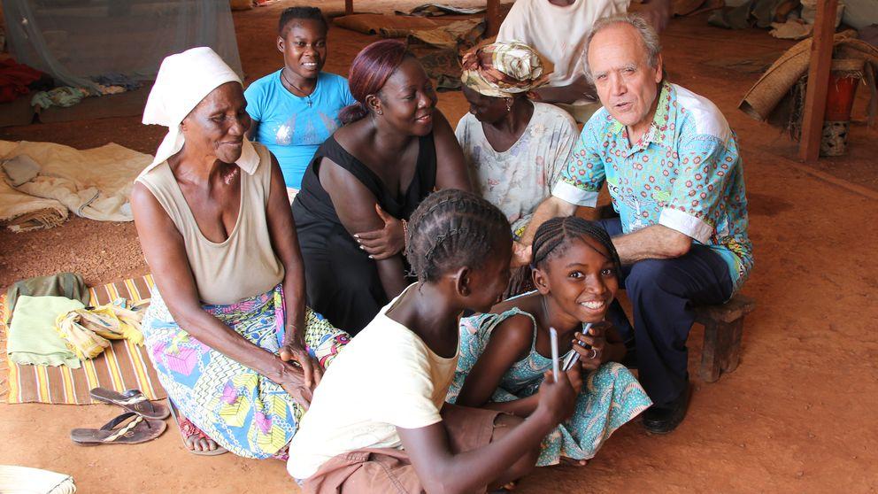 El cura que salvó a miles: La vida vale según el color de la piel