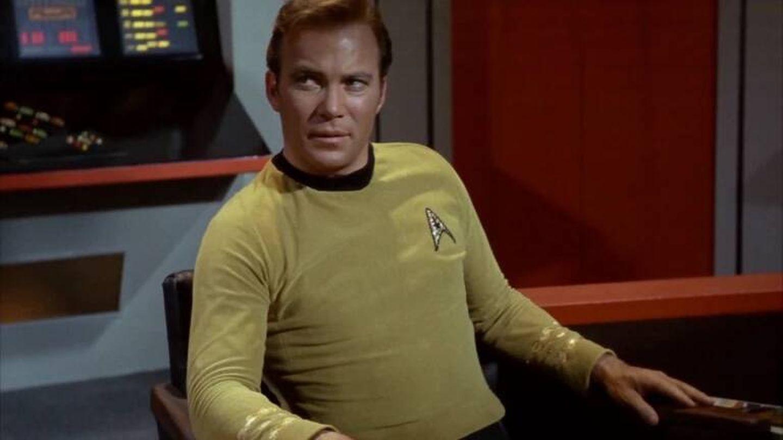 Con 90 años, el Capitán Kirk no llegará al espacio en el siguiente vuelo suborbital de Blue Origin