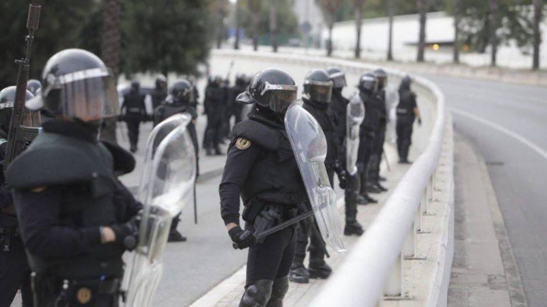 Si te preguntan dónde trabaja papá, no digas que es policía: Cataluña, tras el 1-O