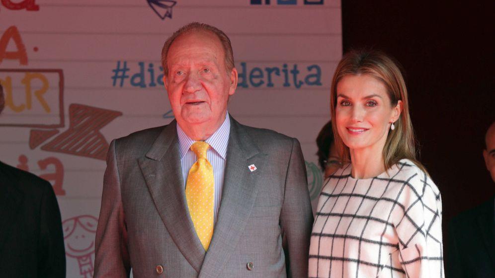 Foto: Don Juan Carlos y la Reina en el Día de la Cruz Roja de 2014 (Gtres)