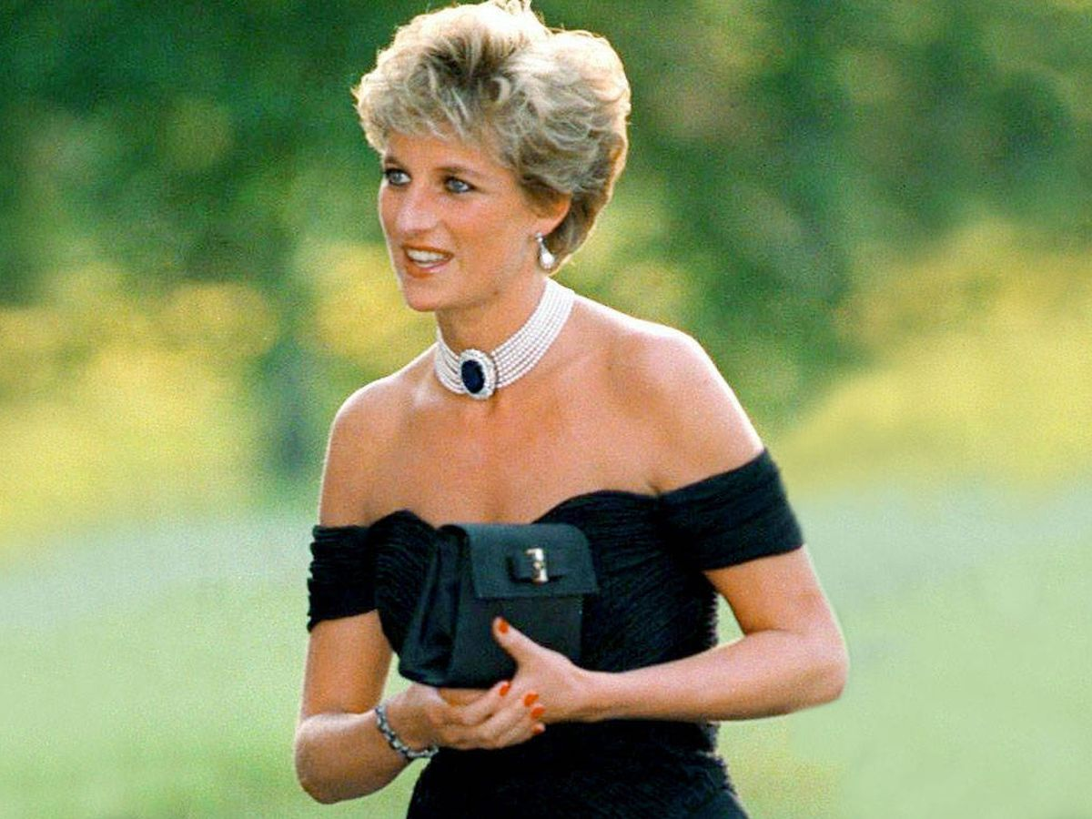 Foto: Lady Di, con el famoso vestido. (Cordon Press)