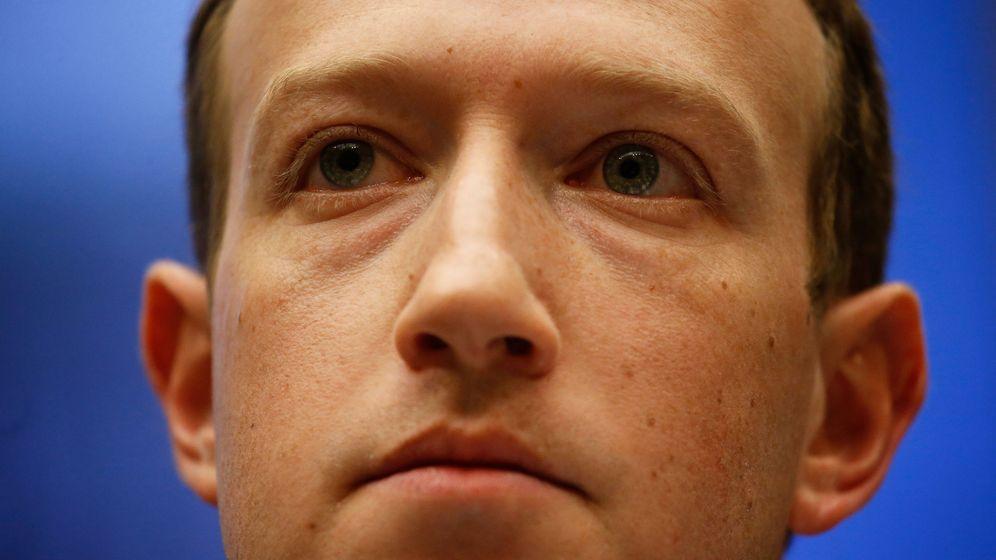 Foto: Zuckerberg testificando ante el Congreso americano (Reuters)