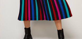 Post de La falda plisada que estiliza la figura (y será tu comodín) está en Sfera por menos de 30 euros