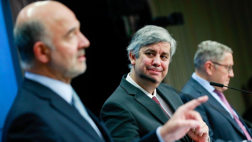 Foto: El comisario europeo de Asuntos Económicos y Financieros, Pierre Moscovici; el presidente del Eurogrupo, el portugués Mario Centeno; y el director gerente del Mecanismo Europeo de Estabilidad (MEDE), Klaus Regling,
