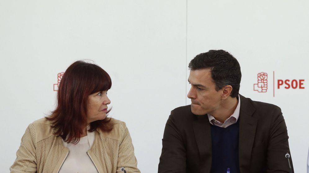 Foto: Micaela Navarro, junto al líder del PSOE, Pedro Sánchez (Efe).