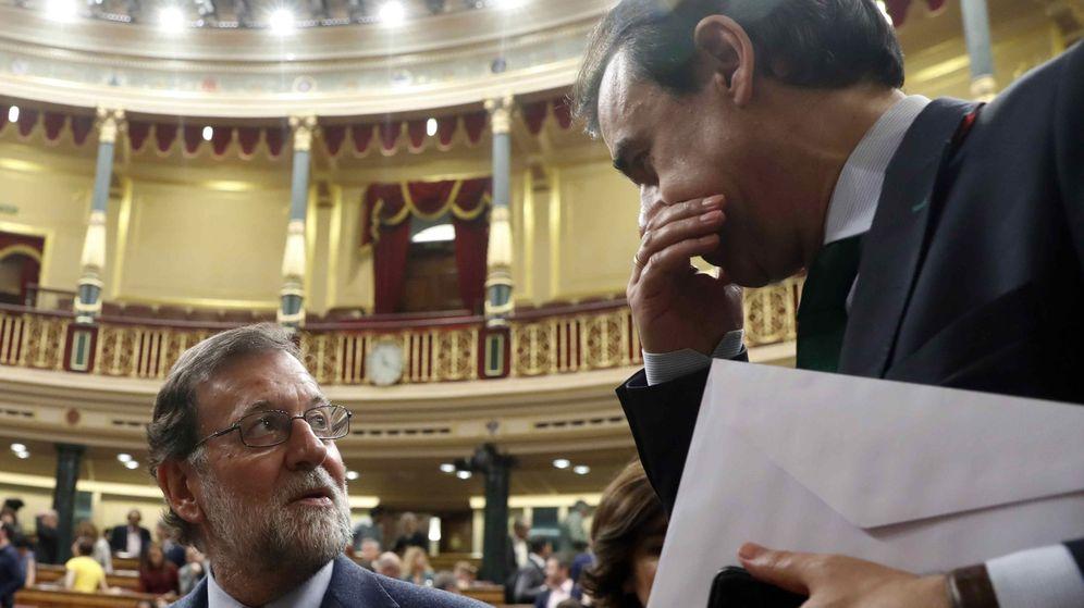 Foto: El presidente del Gobierno, Mariano Rajoy, y el coordinador general del PP, Fernando Martínez-Maillo. (EFE)