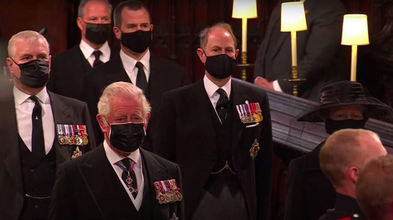 El príncipe Carlos, encabezando la comitiva fúnebre. (YouTube Casa Real)