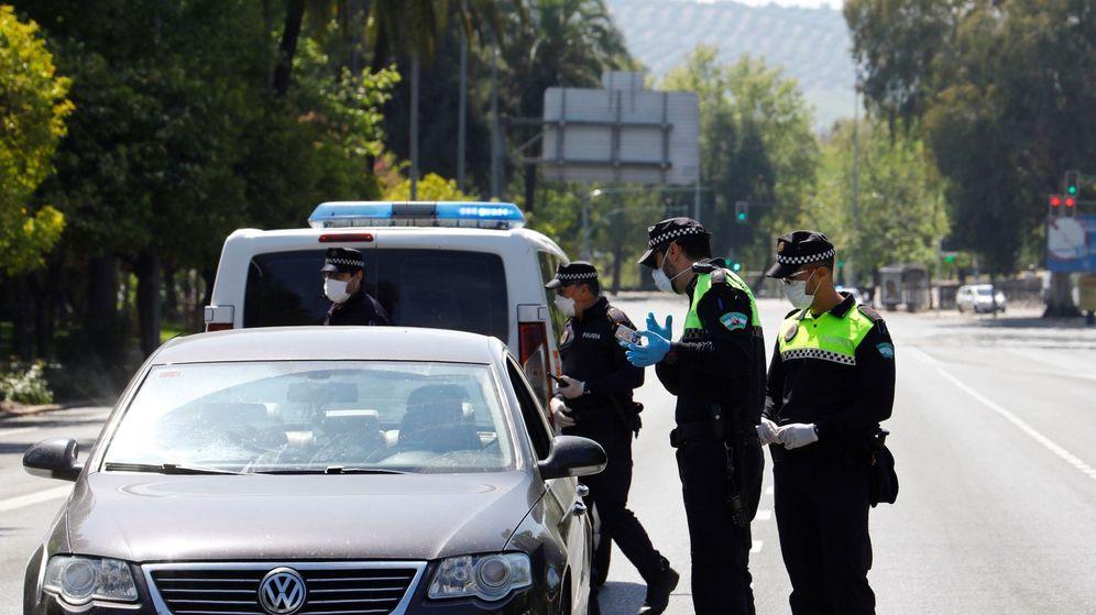 Foto: La multa por tener el carnet de conducir caducado asciende a 200 euros (EFE)