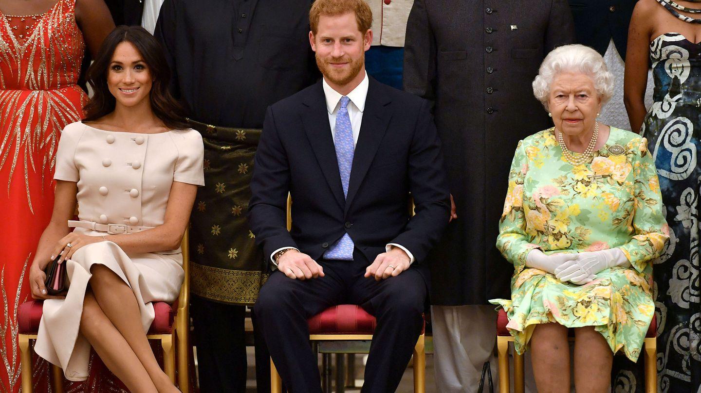 Los Sussex junto a Isabel II en una imagen de 2018. (Getty)