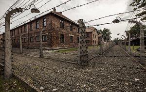 Vacaciones en el infierno: ¿por qué nos gusta visitar Auschwitz?
