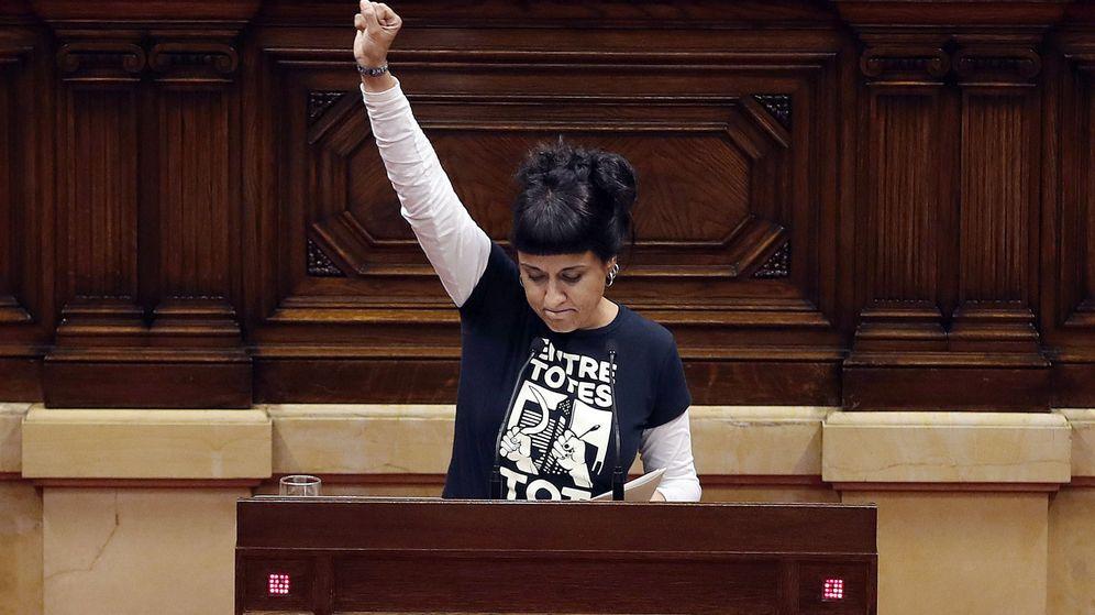 Foto: La diputada de la CUP, Anna Gabriel en el Parlament. (EFE)