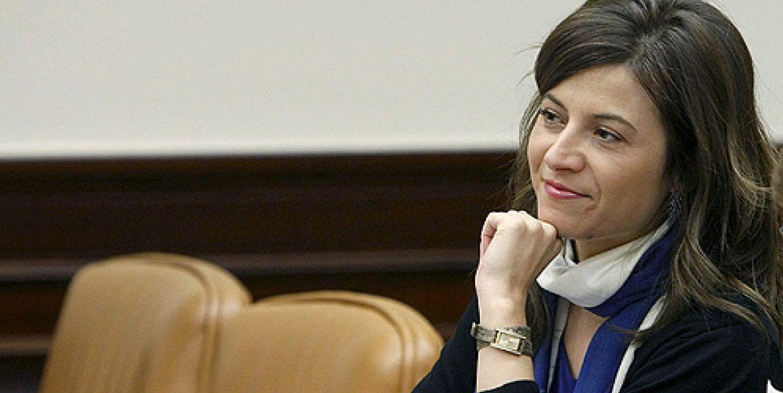 Arenas quiere dejar sin 'embajada' en Madrid al novio de la ex ministra Aído