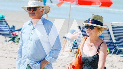 Fotos exclusivas: Esperanza Aguirre y Fernando Ramírez de Haro, tapas y baños en las playas de Cádiz