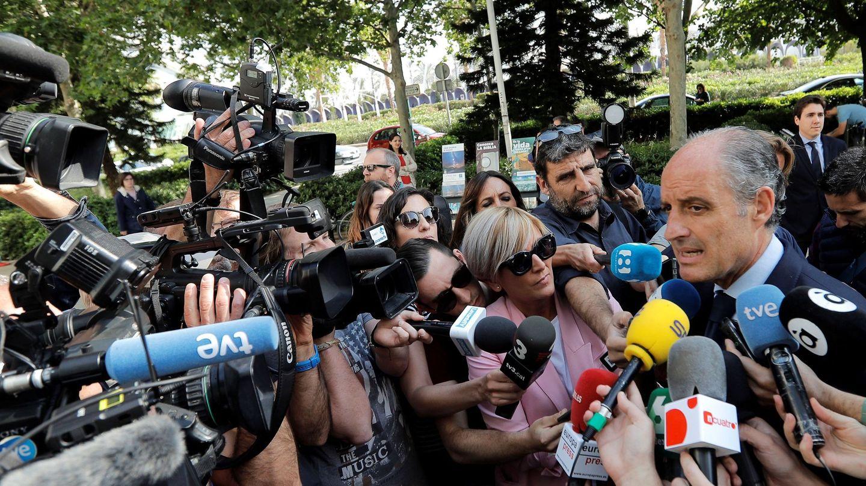 Camps, a su llegada a la Ciudad de la Justica para declarar por la Fórmula 1. (EFE)