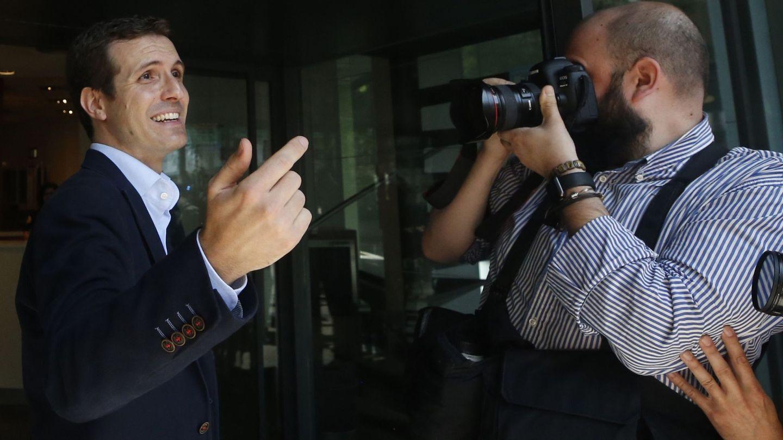 Pablo Casado anuncia su candidatura. (EFE / Javier Lizón)