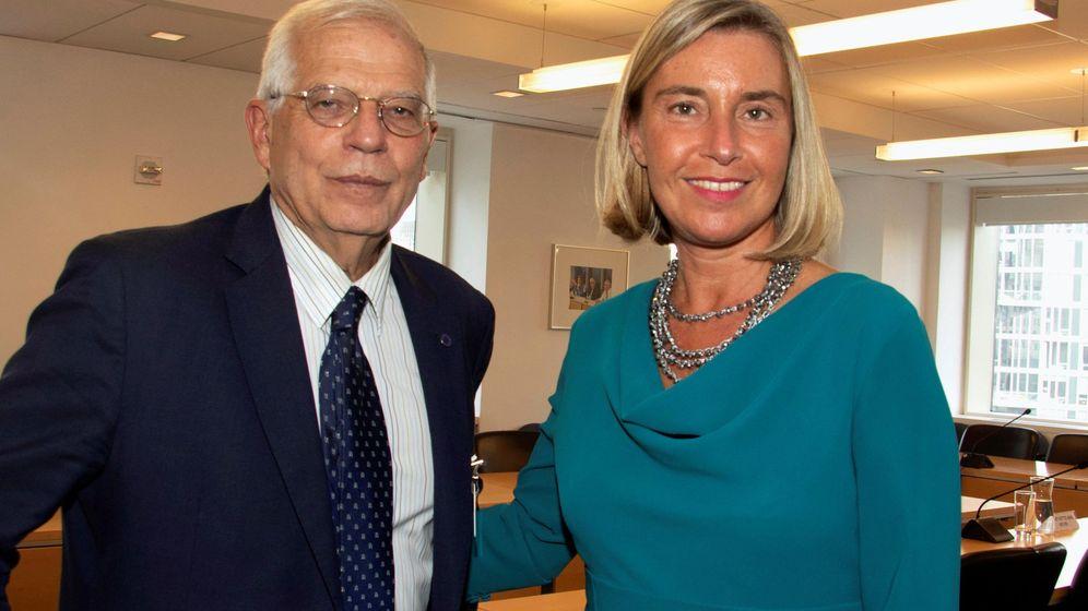 Foto: Josep Borrell y Federica Mogherini. (EFE)