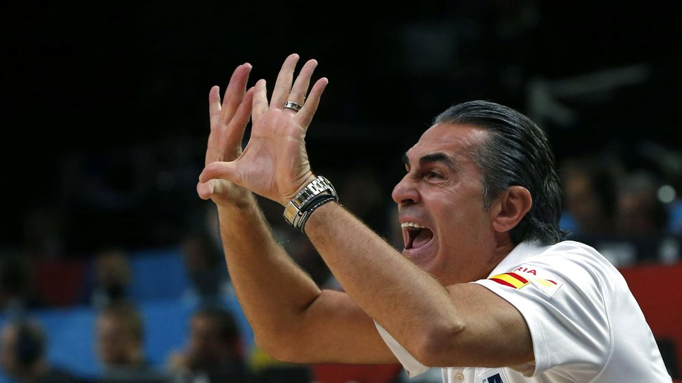 Foto: Sergio Scariolo iguala a Antonio Díaz-Miguel como el seleccionador con más medallas (Efe)