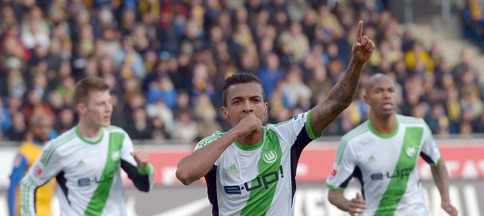 Foto: Luiz Gustavo celebra un gol marcado con el Wolfsburgo (EFE)