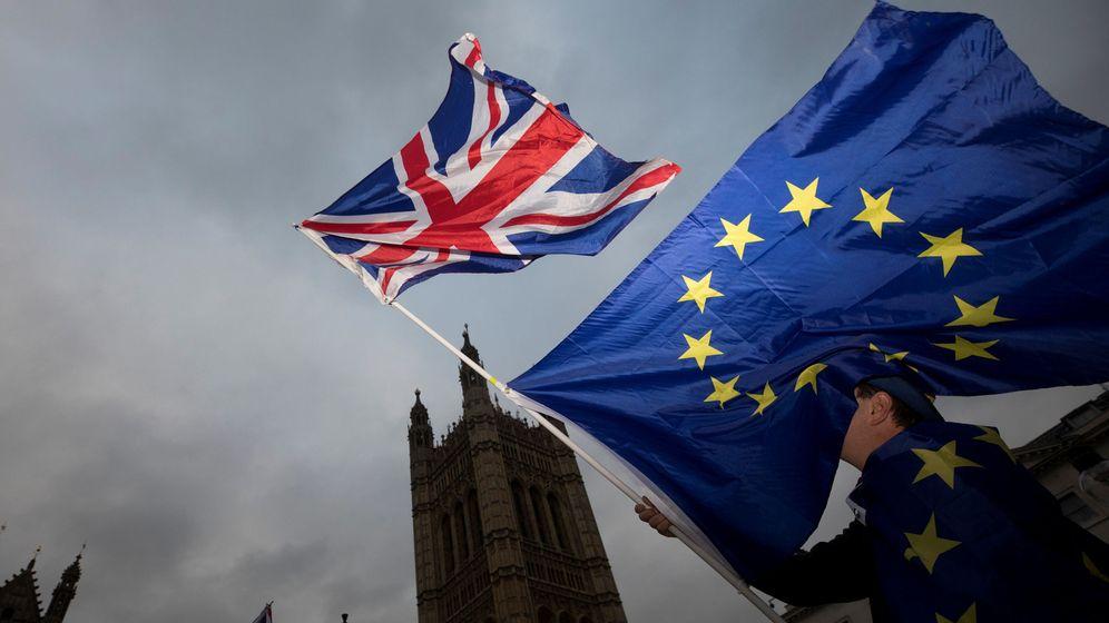 Foto: Bruselas y Reino Unido cierran un acuerdo sobre las condiciones del divorcio del Brexit. (Reuters)